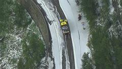 VIDEO: Horskou etapu Tour předčasně ukončila bouřka s krupobitím, na silnici se sesunula půda. Do vedení jde Bernal
