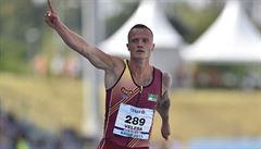 Veleba vyrovnal na mistrovství republiky český rekord na stovce, v tyčce kraloval Kudlička