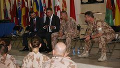 Ministr Petříček v Afghánistánu. Ocenil práci českých vojáků a sešel se s místními politiky