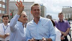 Stav Navalného se výrazně zlepšuje, už je schopen mluvit. Německá policie posílila jeho ochranu