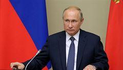Putin prý byl v KGB podle tehdejšího posudku 'morálně pevný'. Už po roce měl u kolegů autoritu