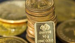 Cena zlata vystoupala na rekordní hodnotu, stojí za tím obavy z koronaviru i politické napětí
