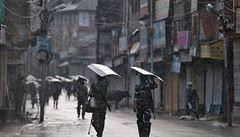 'Indie směřuje ke katastrofě.' Hinduističtí nacionalisté mají polovojenské jednotky, chtějí náboženský stát