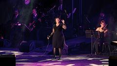 Sto podob šansonu. Do Česka se na dvou koncertech vrátí zpěvačka Mireille Mathieu