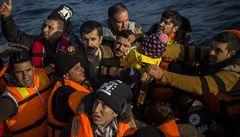 Počet obětí lodního neštěstí v Turecku vystoupal na 54, na palubě byli migranti putující do Evropy