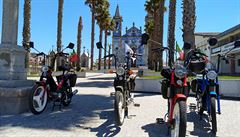 NOMÁDI: Expedice Porto Korado: Na mopedech proti větru II.