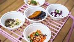 Luxusní restaurace ve stylu street food. Ochutnejte netradiční tataráky i indonéskou kuchyni