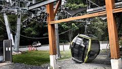 V Kanadě se utrhla kabinková lanovka, někdo zřejmě přeřezal lana
