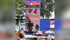 Ruská obec chtěla uctít rudoarmějce, na pomníku ale byly siluety vojáků armády USA