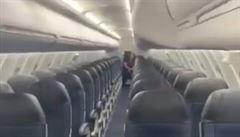 VIDEO: Muž cestoval sám letadlem pro sedmdesát lidí. Jeho video se stalo hitem