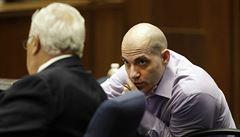 'Hollywoodský rozparovač' podle poroty zavraždil dvě ženy. Jedna měla známost s hercem Kutcherem