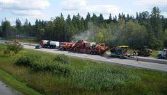 Kanadští silničáři si pochvalují českou technologii. Při frézování jim ušetřila tisíce tun materiálu