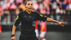 Obrovský genderový průlom. První 'evropský' zápas mezi Liverpoolem a Chelsea bude pískat žena