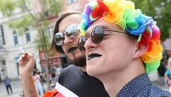Ostravou prošel průvod hrdosti LGBT, od odpůrců jej museli oddělit těžkooděnci
