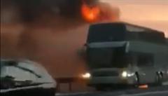 VIDEO: Na dálnici v Chorvatsku shořel český autobus. Nikomu se nic nestalo, turisté už jsou doma