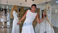 Návrhářka vytvořila pro Dubí kolekci šatů inspirovaných cibulákem