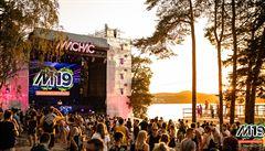 Extáze, pervitin či kokain u 'Mácháče'. Policie na hudebním festivalu objevila drogy u 65 lidí