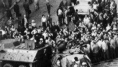 Srpen 1969 vytvořil rozdělení 'my a oni'. Nástup Husáka započal novou éru, říká historik
