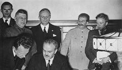 Hrdost přebíjí fakta. Na ruskou interpretaci paktu Ribbentrop-Molotov dohlíží i rozvědka