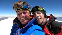 Stal se zázrak, promrzlí čeští horolezci letí domů. Komplikovaný sestup z himálajské 'Barušky' zvládli