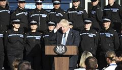 Zneužil jste policisty k politickému boji, čelí premiér Johnson kritice