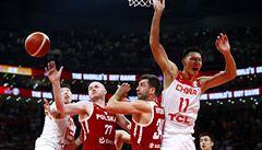 Šílená koncovka na MS v basketbalu. Domácí Čína v rekordně dlouhém duelu prohrála 'vyhraný' zápas