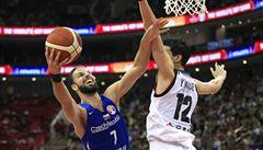 Čeští basketbalisté porazili Japonsko 89:76 a vydřenou výhrou se udrželi v boji o postup