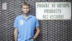 'Zdar, útvare!' Policie stíhá aktivistu, co si utahoval ze Šlachty. Je to pomsta, tvrdí