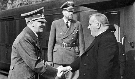 Slovensko se trhá. Ulice v roce 38 ovládla Hlinkova garda s hesly 'Čecha do mecha a mech do Dunaja!'