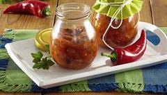 Paprikové léto ve skleničce. Zkuste pálivou domácí harrisu nebo ajvar