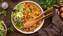 Dýňový salát s bylinkami. Jak si připravit rychlou večeři?