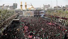 Při oslavách šíitského svátku v Iráku zahynuly desítky věřících. Lidé v panice po sobě začali šlapat