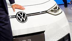 Volkswagen představil nové logo. Příští rok chce prodat 150 000 elektromobilů