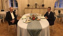 Zeman s Babišem mluvili o summitu prezidentů V4, Kosovu či zastavení trestního stíhání