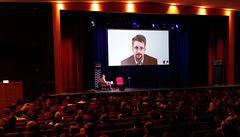 Americká justice žaluje Snowdena kvůli vydaným pamětem. Již takhle mu v USA hrozí 20 let za špionáž