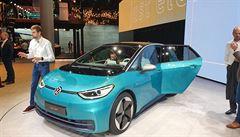 Volkswagen urychluje výrobu elektrovozů. Milionu aut ročně chce dosáhnout již v roce 2023