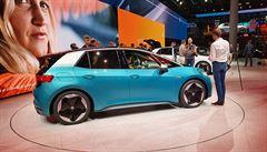 RECENZE: Volkswagen ID.3 je auto nové éry. 'Asi na něm nezbohatneme, ale má být ziskový'