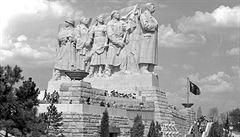 Pod Stalinovým dohledem. Jak by se mělo nakládat s komunistickými pomníky?