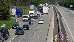 Řidiče potrápí nejhorší víkend na dálnicích. Průjezd po D1 bude úplně katastrofální, varuje expert