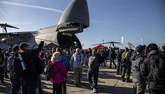 Na Dny NATO dorazilo celkem 220 tisíc lidí. V neděli zkomplikovalo dopravu pět nehod