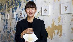 Esemesku si do rodinného alba nedáte, říká o svých blahopřáních ilustrátorka Maria Makeeva