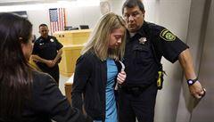 Úmyslné násilí, nebo omyl? Policistka v USA dostala za zabití souseda Afroameričana deset let