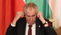 Úspěch je důkazem dobré práce vlády, vzkázal Zeman Kaczyńskému, šéf STAN má obavy z autoritářství