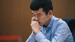 Čínského velmistra ničí na vrcholném turnaji čínský internet, soucit projevila i jednička Carlsen