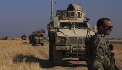 Turecko dokončilo přípravy na operaci v Sýrii. Američané se nakonec z oblasti nestahují