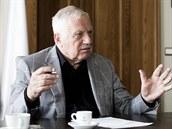 Jeden z hlavních aktérů polistopadového vývoje Václav Klaus starší hovořil pro LN o nepochopení kuponové privatizace i o vztahu k Václavu Havlovi.
