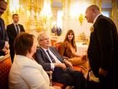 Do Zrcadlového sálu Pražského hradu byl na oslavu narozenin pozván i zpěvák...
