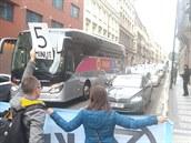 Na místě druhé blokády aktivisté strávili sedm minut a za tu dobu se jim...