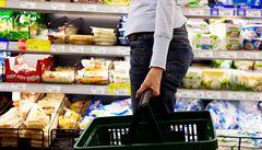 Na světě každý rok umírá 400 tisíc lidí kvůli snědení zkaženého jídla. Onemocní desetina všech lidí