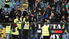Měl by jim být zakázán vstup na stadiony, reaguje na zatčené hajlující fanoušky legenda Bulharů Stoičkov